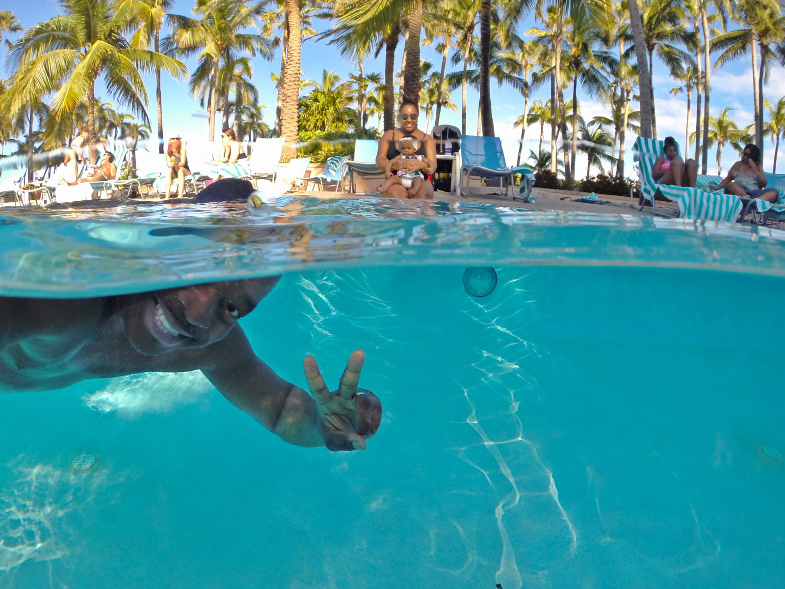 How to Take Underwater Split Shot Photos