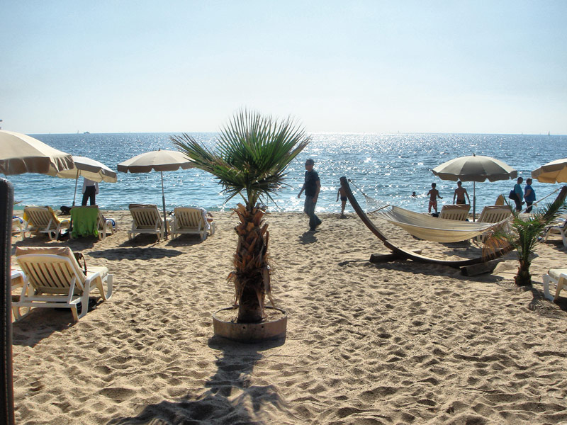 Plage du Midi - The Perfect Beach for Relaxation and Less Busy Beach Dining