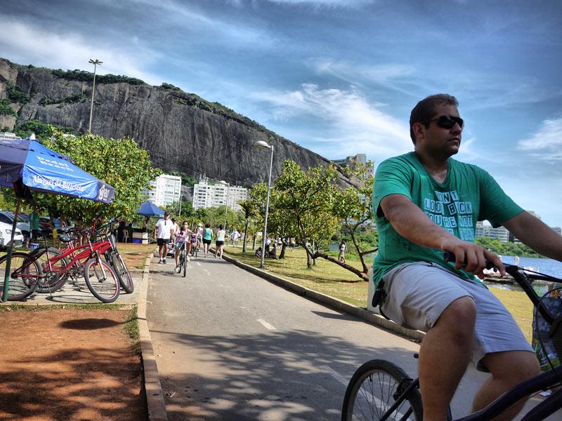 Rent a Bike and Cycle Around Lagoa Rodrigo de Freitas
