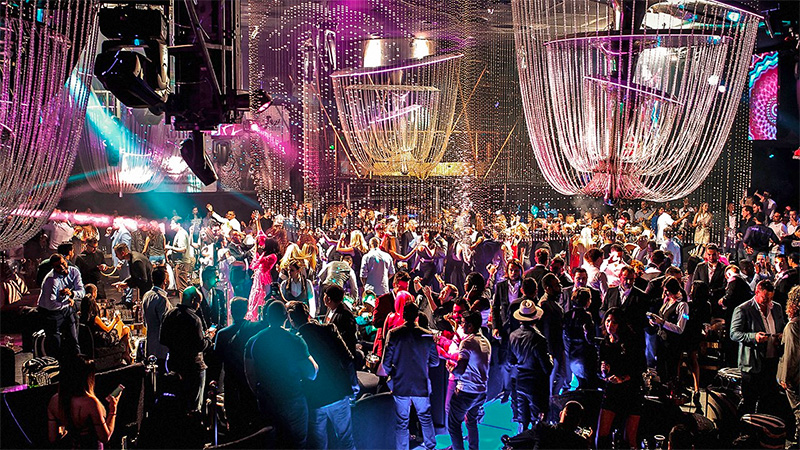 Cavalli Club - Dubai's Most Glamorous Nightclub, Complete With Swarovski Crystal Chandeliers