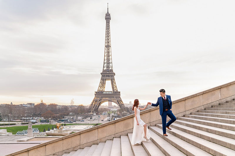 A Sunrise Proposal on the Trocadero Steps, Overlooking the Eiffel Tower