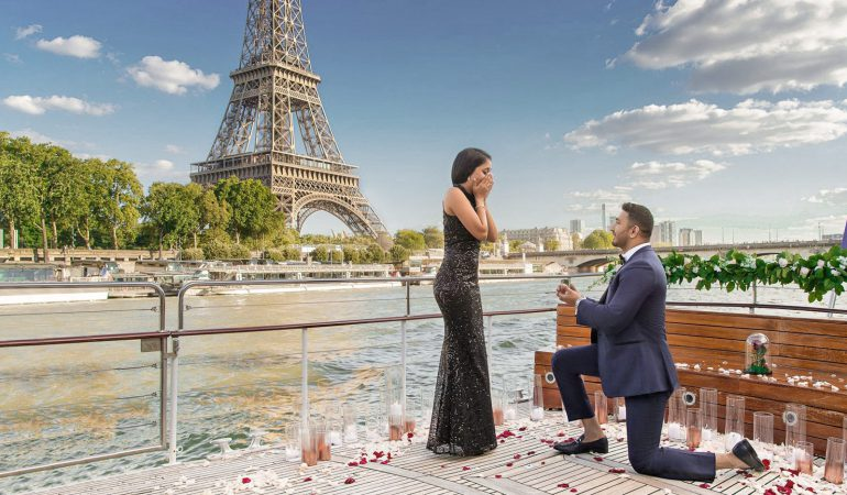Marriage Proposal Ideas in Paris: Man Proposes on River Seine Cruise, Overlooking Eiffel Tower