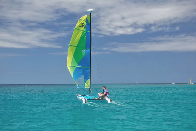 Hobie Cat - Colony Club Hotel Guests Benefit From Motorised and Non-Motorised Water Sports