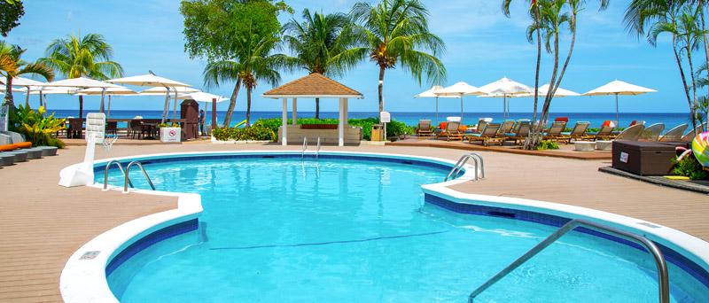 Tamarind's Outdoor Swimming Pool Overlooking the Beach