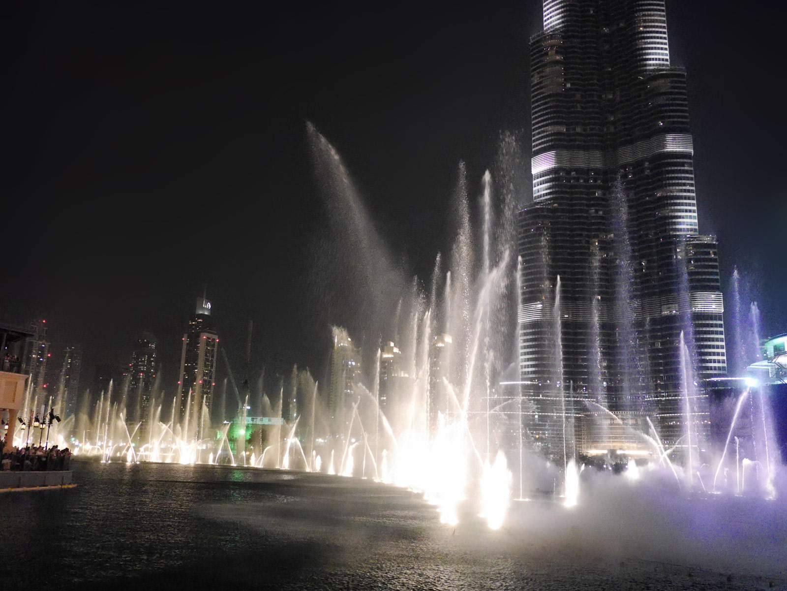 Dubai Fountain: Dancing for Burj Khalifa - Dubai, United Arab Emirates