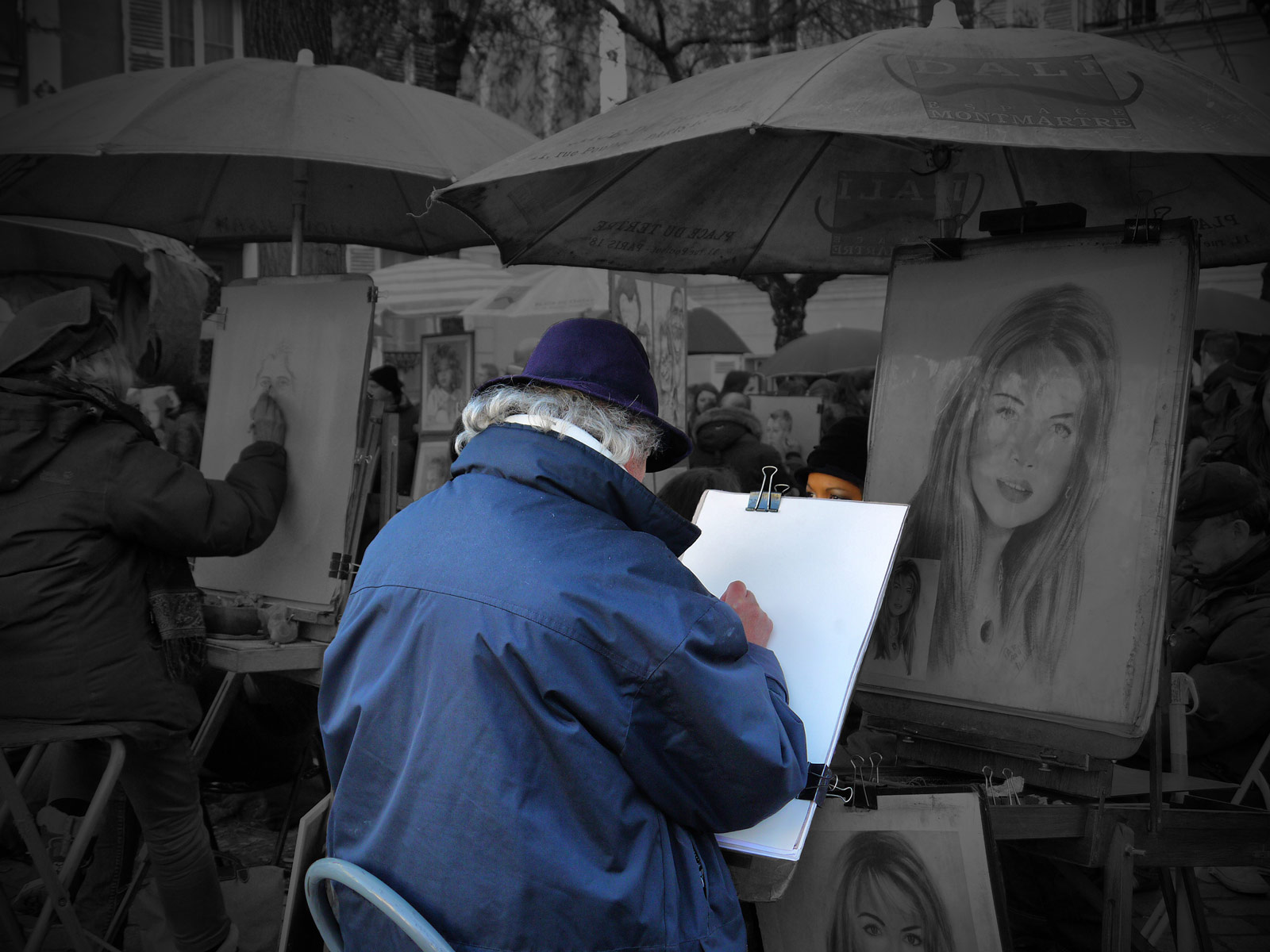 Crafting a Work of Art in Montmartre - Paris, France