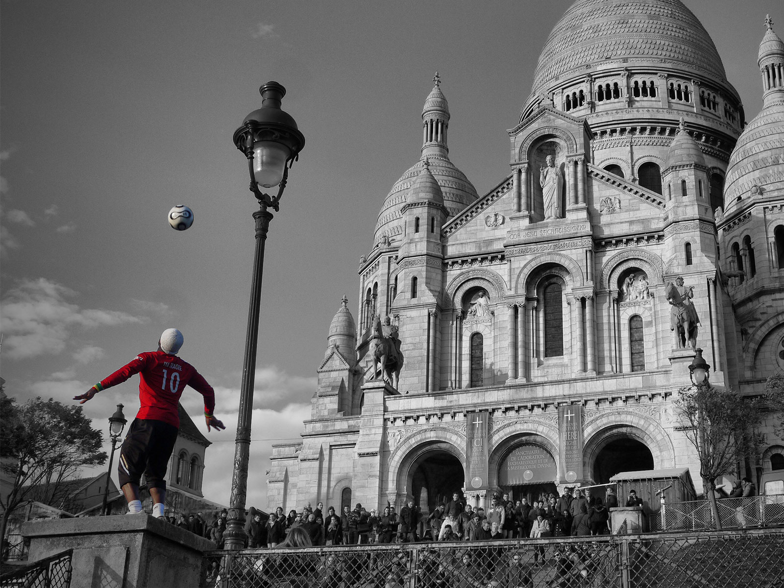 Freestyle Football Magic at the Sacré-Coeur - Paris, France