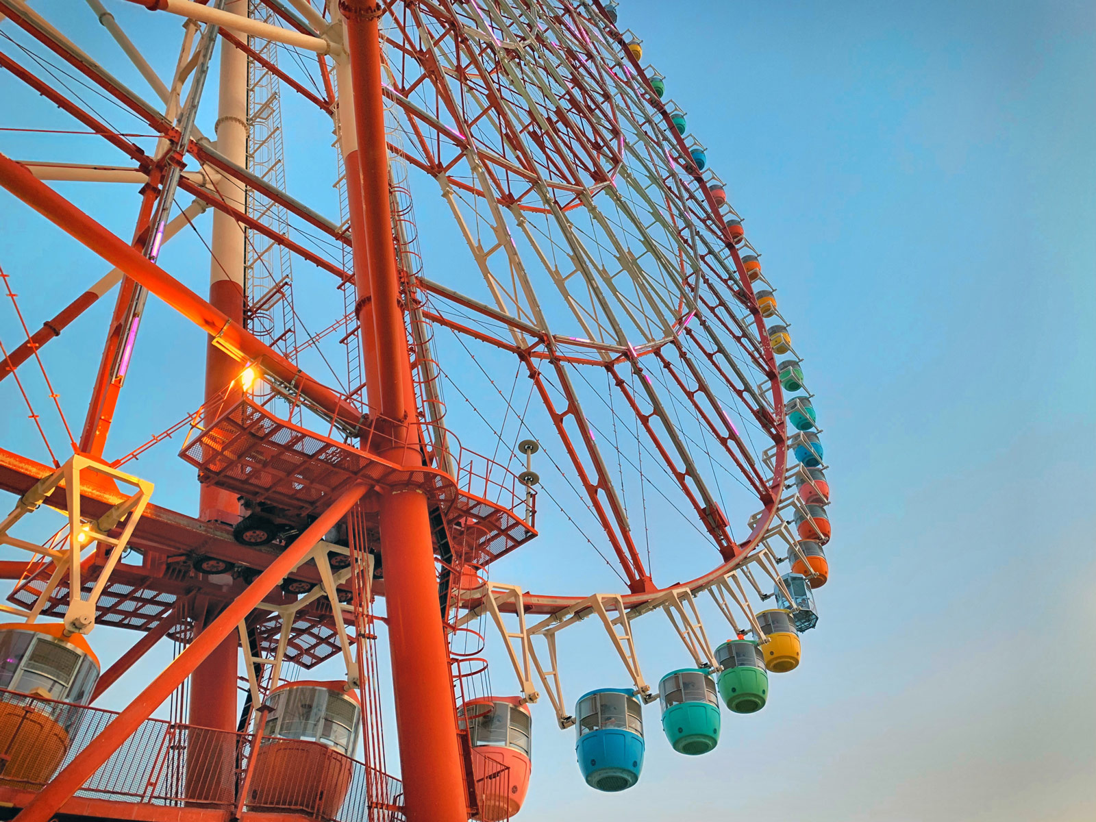 Choose a Colour: Climb Aboard Odaiba's Giant Ferris Wheel - Tokyo, Japan